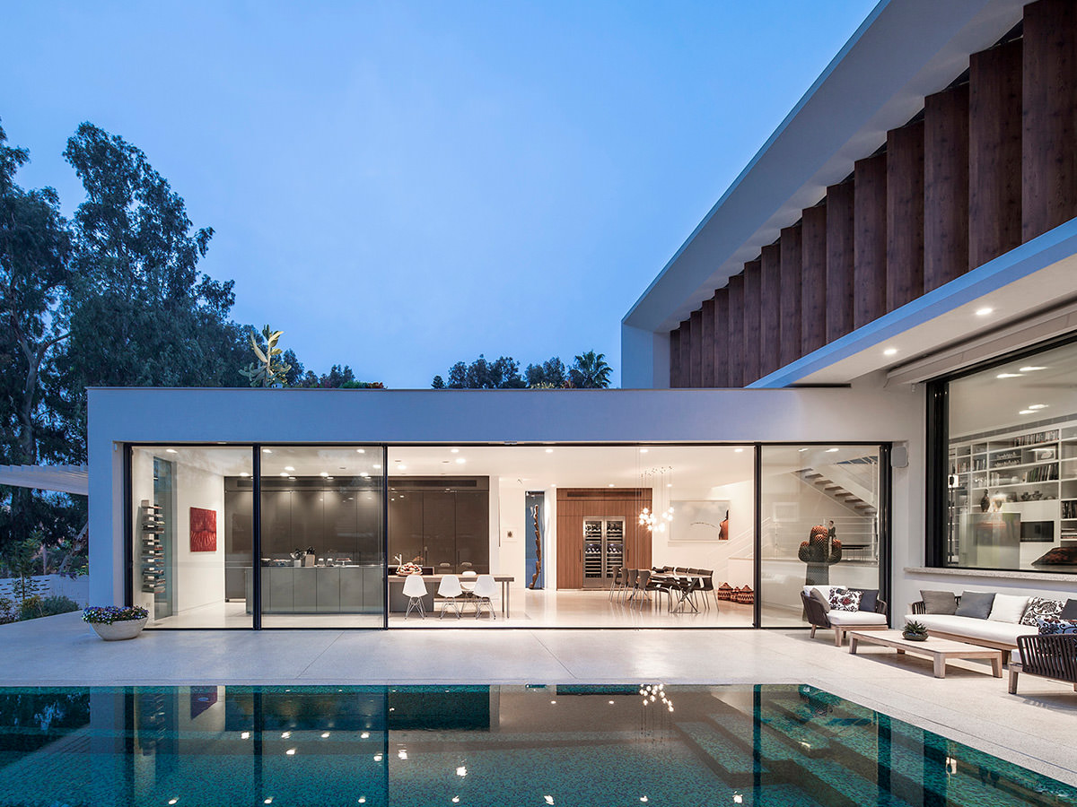 TV House By Pazgersh Architecture + Design